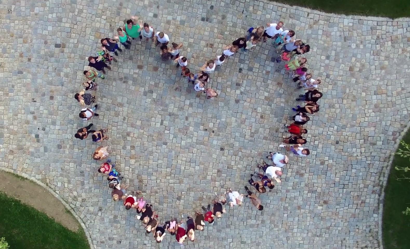Wir halten zusammen - Herz